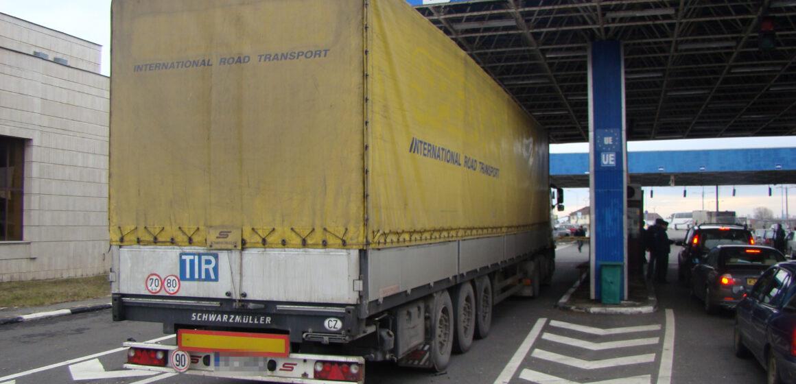 VIDEO | Vezi când se suspendă activitatea de cântărire a automarfarelor la trecerea frontierei spre Ungaria