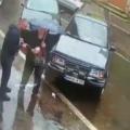 VIDEO | Au găsit niște bani, i-au luat și au plecat