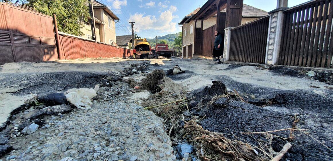Inundațiile au făcut ravagii în orașul Săliștea de Sus
