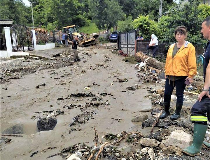 VIDEO   Din nou ploi, din nou inundații în Maramureș