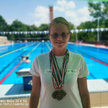 VIDEO | 10 medalii obținute de Gold Stars Baia Mare la Campionatul Național de Înot Masters, din Ungaria