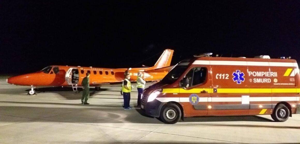 VIDEO   Transport de urgență cu avionul pentru un bebeluș de șase luni din Baia Mare