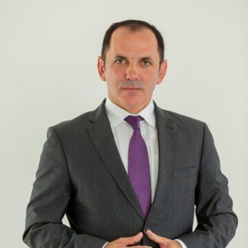 Mircea Cirt: Nobilul gest de a oferi tichete persoanelor vârstnice a fost coborât la stadiul de mită electorală  de către actualul primar