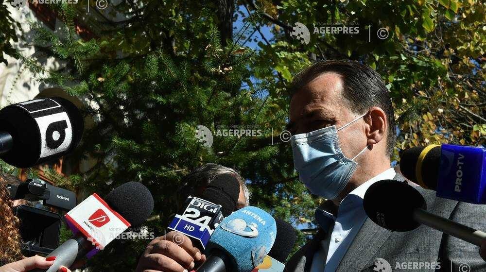 Orban: Procesul de achiziţie de tablete continuă la toate nivelurile