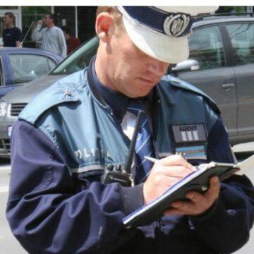 Cercetat pentru conducere fără permis, fals material în înscrisuri oficiale și uz de fals