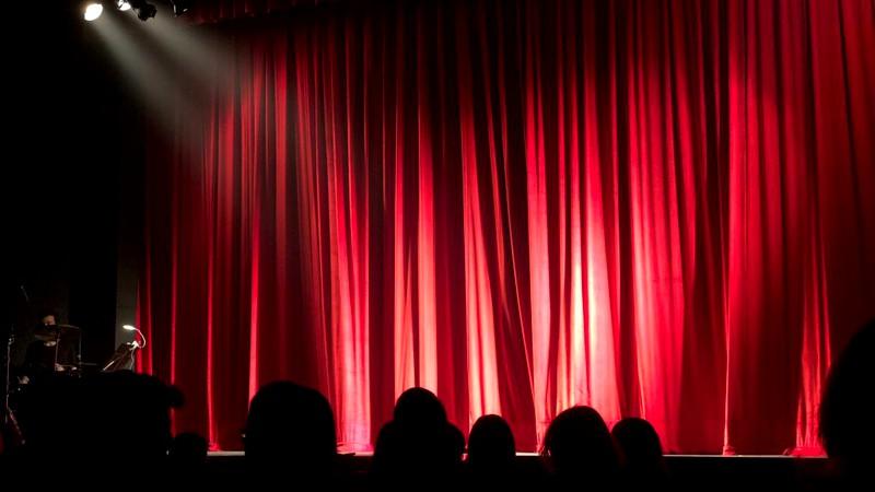 VIDEO | Elevii vor putea studia teatrul, ca disciplină opțională, în anul școlar 2021-2022