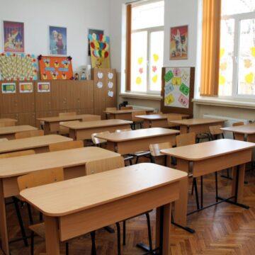VIDEO   Școlile vor putea decide singure numărul de ore și ce materii să păstreze la clasele V-VIII
