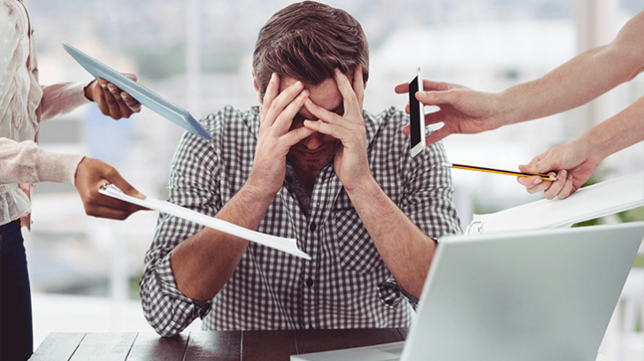 Studiu: Doi din trei angajați români sunt stresați de problemele din perioada pandemiei