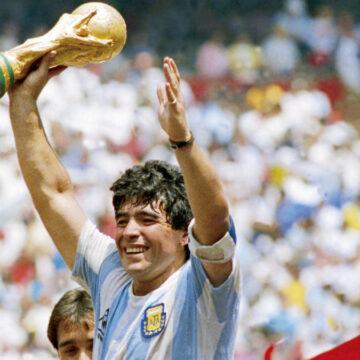 VIDEO | Diego Maradona a murit!