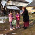 VIDEO | DĂRUIND VEI DOBÂNDI: Proiect caritabil derulat de Școala Gimnazială nr.5 Sighetu Marmației