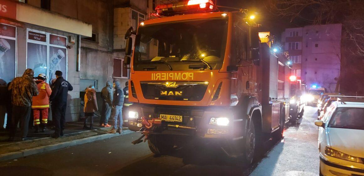 VIDEO | Incendiu într-un apartament din Baia Mare. O persoană a murit