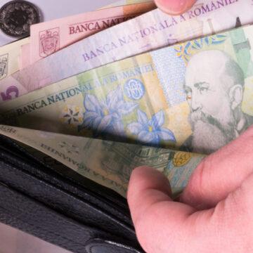 VIDEO | Salariul minim crește cu 3%