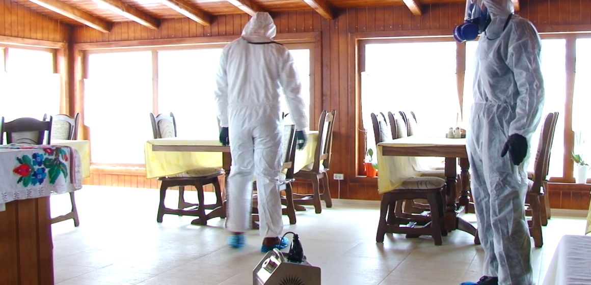 VIDEO & FOTO | Tot mai multe cereri pentru dezinfecția clădirilor din Maramureș