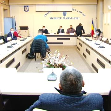 VIDEO | SIGHETU MARMAȚIEI: Ședință de Consiliu Local pe tema deșeurilor menajere, amânată din lipsă de cvorum