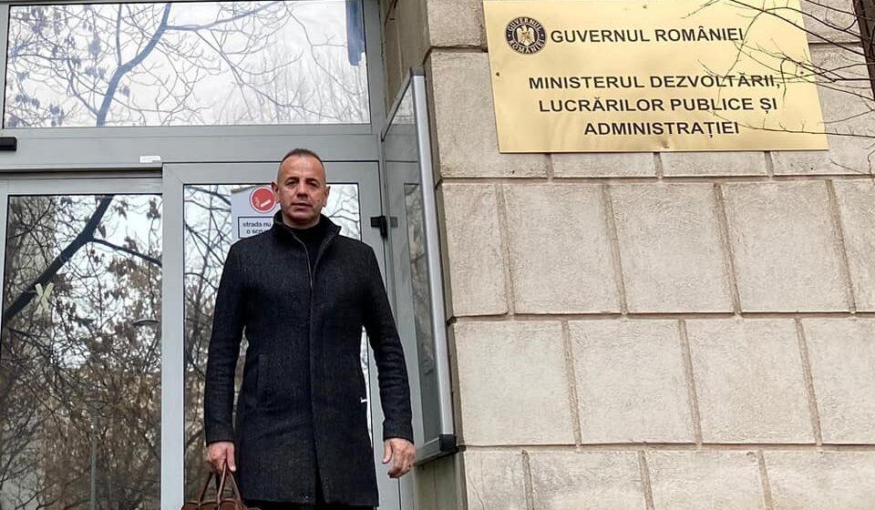 VIDEO | Primarul comunei Bârsana a verificat stadiul proiectelor depuse la Ministerul Dezvoltării, Lucrărilor Publice și Administrației și la Compania Națională de Investiții