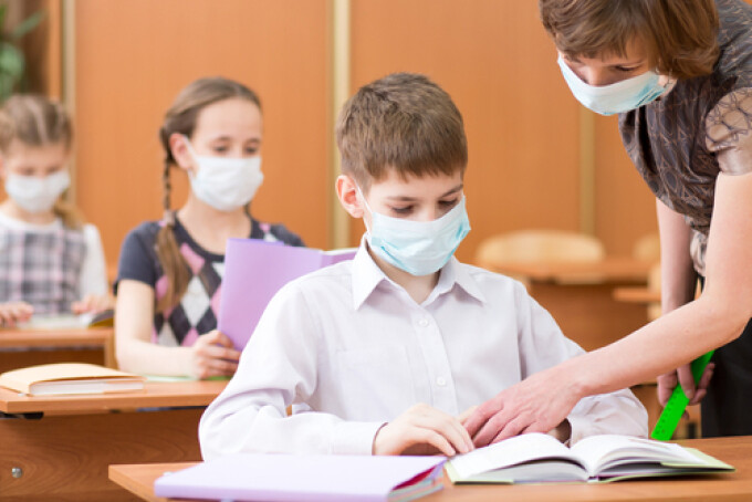 VIDEO | 17 elevi din Maramureș, infectați cu noul coronavirus