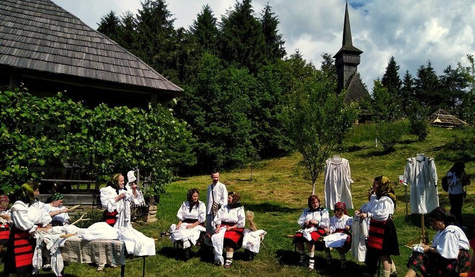 CUVINTE CU MINTE | Rolul femeii în satele tradiționale [ autor: Măriuca Verdeș ]