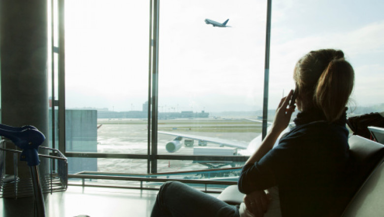 Comisia Europeană vrea să prelungească cu 10 ani sistemul prin care cei care călătoresc în UE beneficiază de roaming gratuit