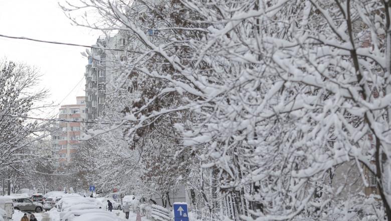 VIDEO | Avertizare meteo de ninsori, lapoviță și polei valabilă de vineri seară