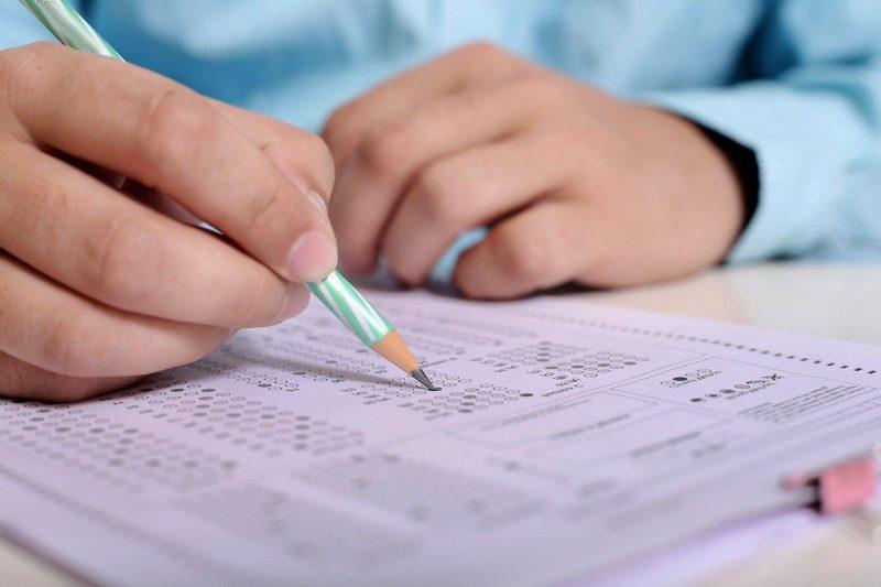 """VIDEO   Teste """"de antrenament"""" pentru Evaluarea Naţională şi examenul de Bacalaureat"""