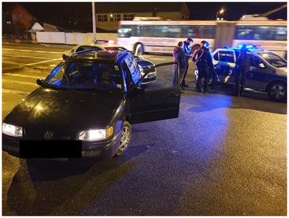 VIDEO | Atenția unui polițist aflat în timpul liber a dus la prinderea unui tânăr bănuit de comiterea unui furt de auto