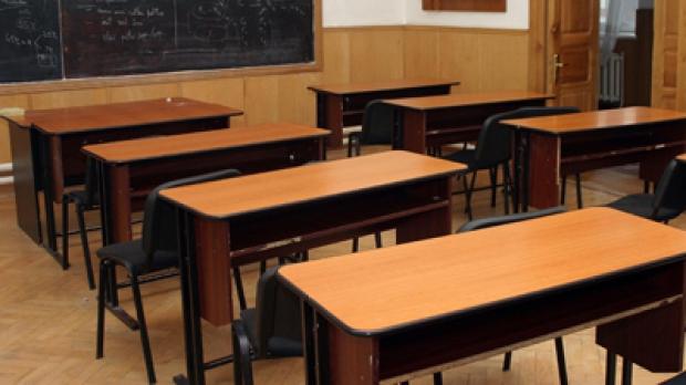 Ministerul Educației, despre distanțarea de 1 metru impusă la școli