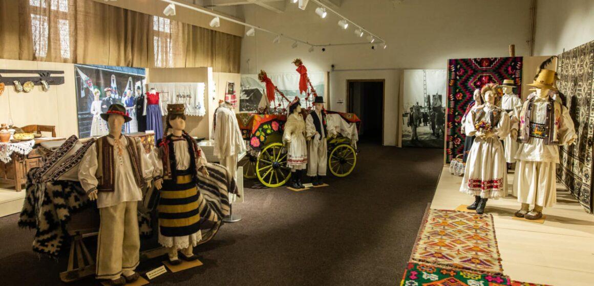 """VIDEO   Muzeele și casele memoriale din Maramureș au fost incluse în """"Ruta Cultural Turistică a patrimoniului muzeal din România"""""""