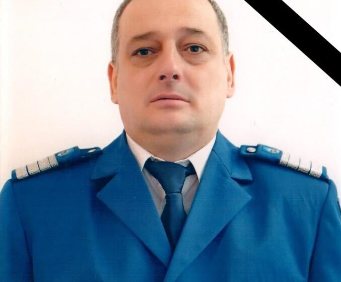 VIDEO | Doliu la Jandarmeria Maramureș. Un jandarm a murit după ce a intrat cu mașina într-un cap de pod
