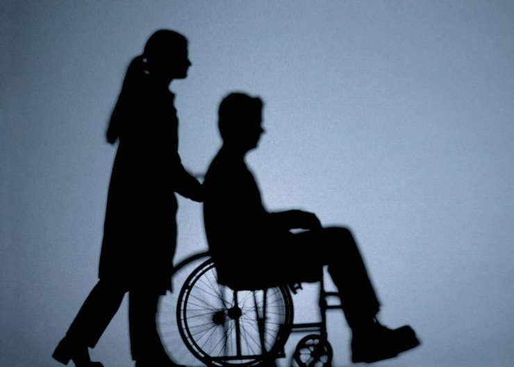Persoanele cu dizabilități pot beneficia de vouchere pentru tehnologie asistivă