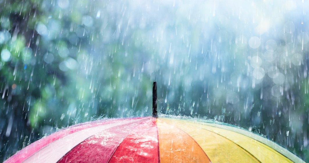 VIDEO | Se răcește vremea: ploi, vânt puternic și temperaturi extrem de scăzute