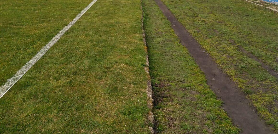 VIDEO   Pista de atletism din Sighet arată ca un teren de golf