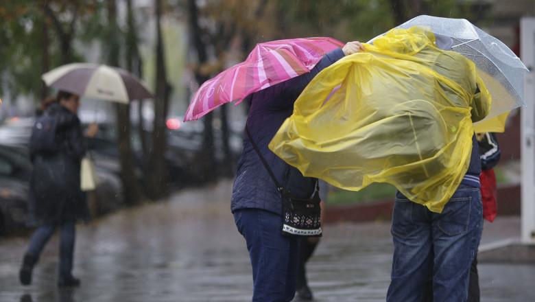 VIDEO   Avertizare meteo de vreme severă. Ploi și vânt puternic în mare parte din țară