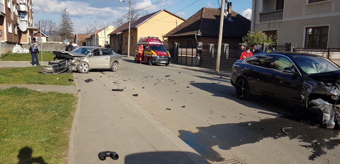 VIDEO   FOTO   Accident rutier cu două victime pe strada Lucian Blaga din Sighet