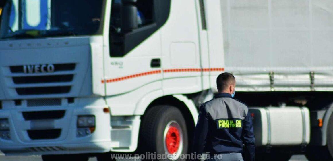 VIDEO | Trafic intens la graniţa cu Ungaria pentru automarfare, după restricţiile de circulaţie impuse de ţara vecină