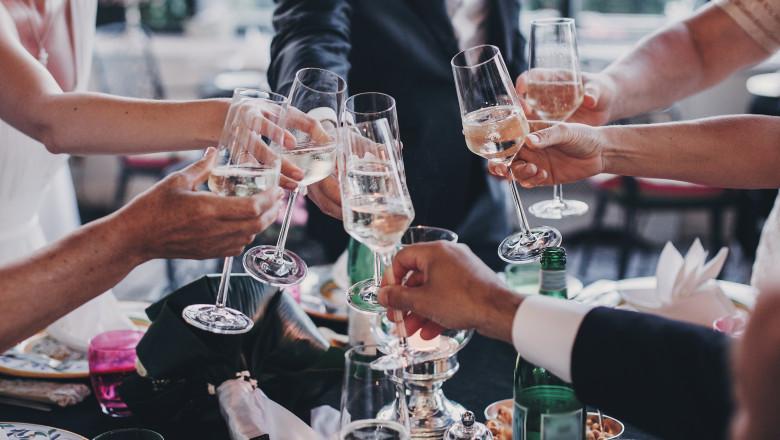 Cum se vor face petreceri de nuntă doar cu persoane vaccinate. Florin Cîțu: Organizatorii își asumă