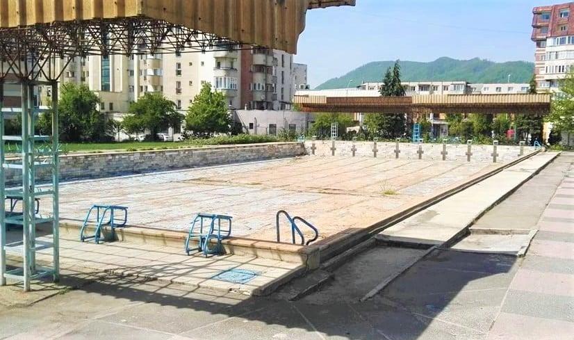 Ministerul Tineretului și Sportului a alocat fonduri pentru reabilitarea bazinului olimpic descoperit din Baia Mare