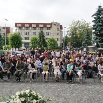 FOTO-VIDEO   S-a sărbătorit excelența, au fost premiați șefii de promoție a școlilor și liceelor din Maramureș
