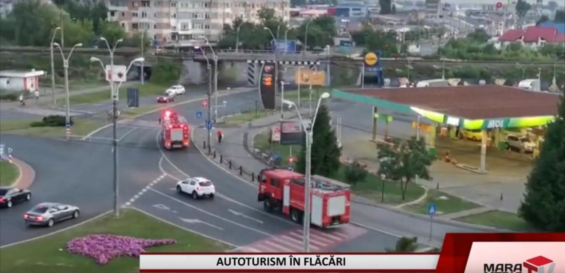 Video   Autoturism în flăcări pe strada Iazului din Baia Mare