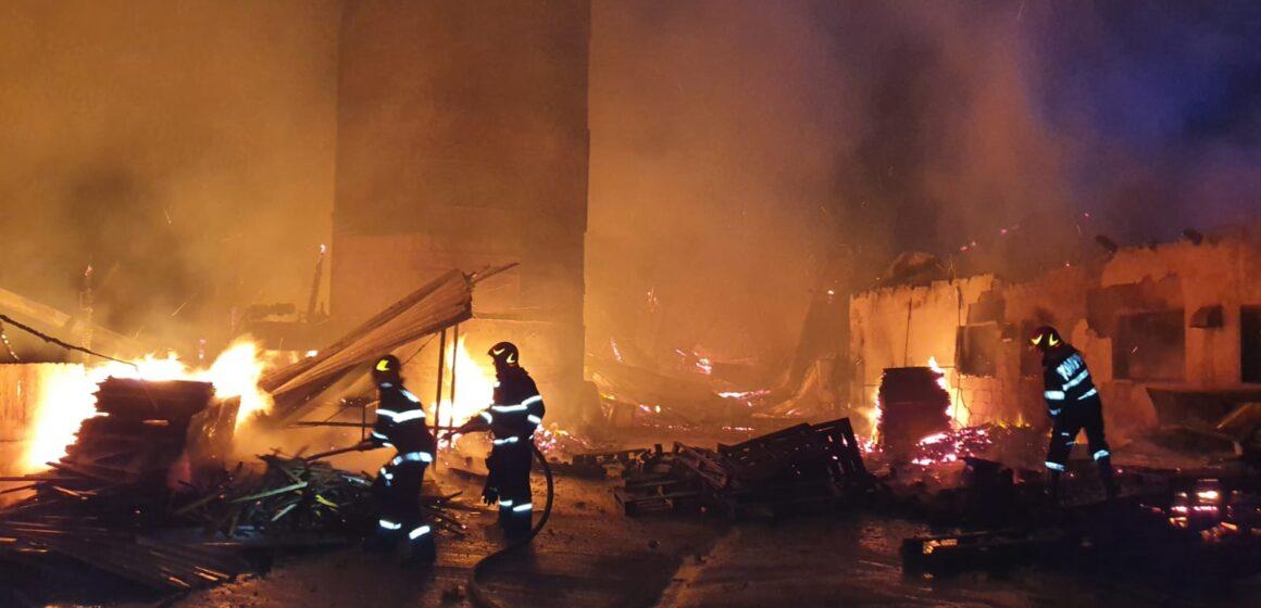 Video | Incendiu de amploare în Satulung