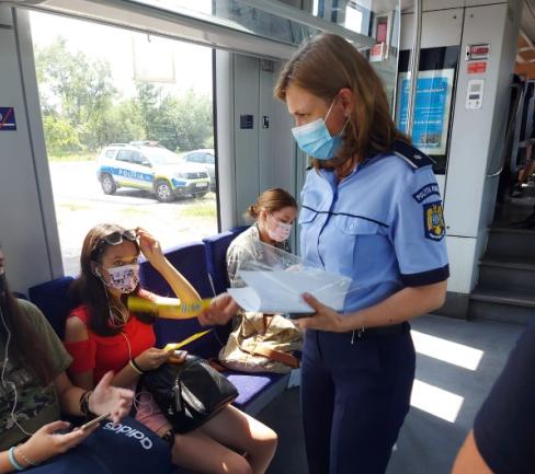 """Campania """"Selfie-ul pe tren nu ia like-uri, ia vieți!"""" continuă și în vacanță"""