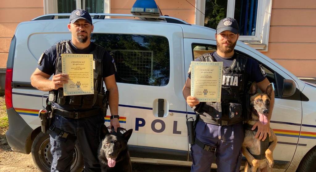 Polițiști ai Grupei Canine felicitați în scris