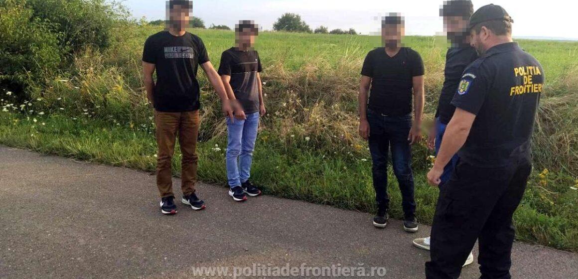 Doi afgani și doi indieni, prinși după ce au trecut ilegal granița în România