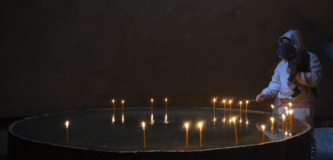 23 august – ziua europeană a comemorării victimelor fascismului şi comunismului