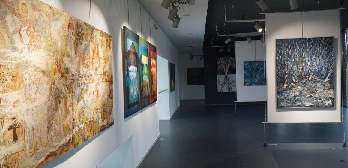 Video   20 de ani – Expoziția aniversară a învățământului artistic universitar băimărean, 2000 – 2020