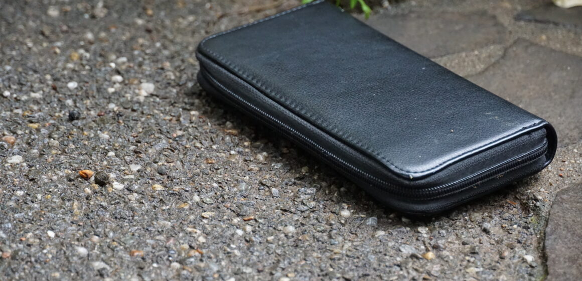 Spiritul civic al unui cetățean demn de urmat – a înapoiat un portofel găsit