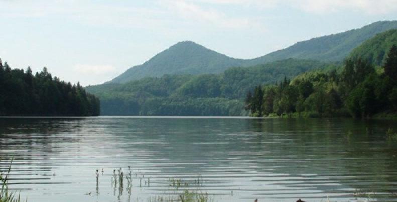 A fost identificat cadavrul din albia barajului Firiza