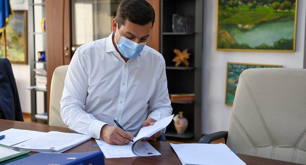S-a semnat contractul pentru reabilitarea altor 5 tronsoane de drum județean din fonduri europene