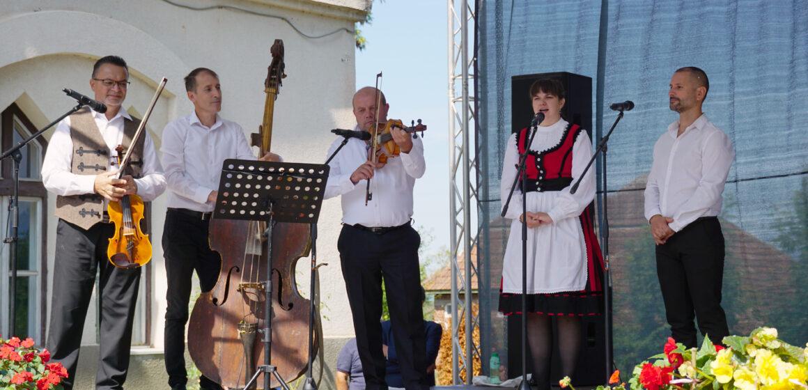 Video   Sărbătoare în memoria poetului Petőfi Sándor la Coltău