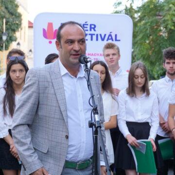 Video   Prima zi de Főtér Fesztivál – Zilele Maghiare Băimărene
