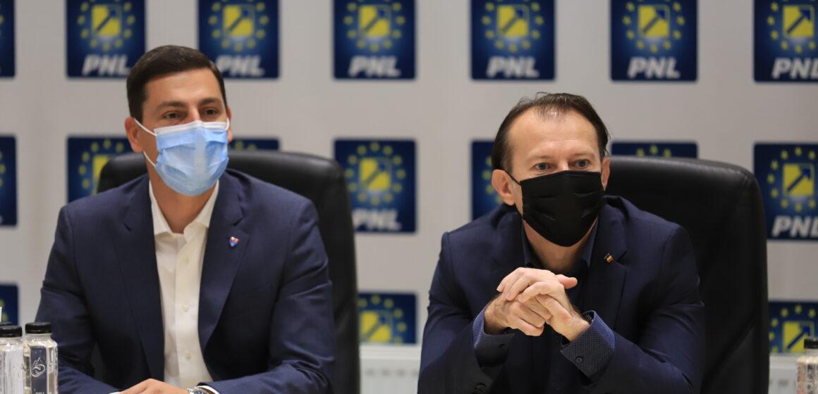 """Video   Liberalii maramureșeni susțin moțiunea """"România Liberală"""" a premierului Florin Cîțu"""